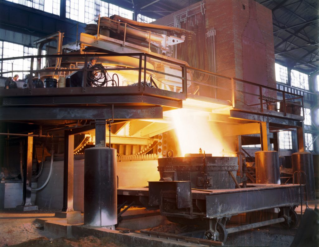 steel manufacturing essay Case analysis homework assignment 2 essay issues in this case industry- steel manufacturing industry nucor is a billion dollar industry that utilizes recycled metals to make steel girders.