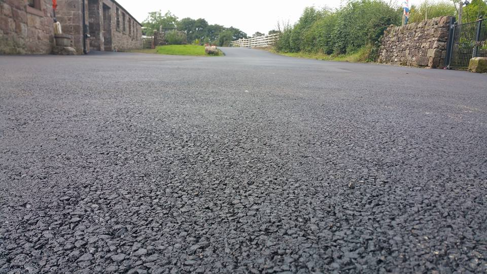 Recycled plastic used to asphalt city roads in the UK